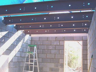 Bomb shelter ceiling trusses