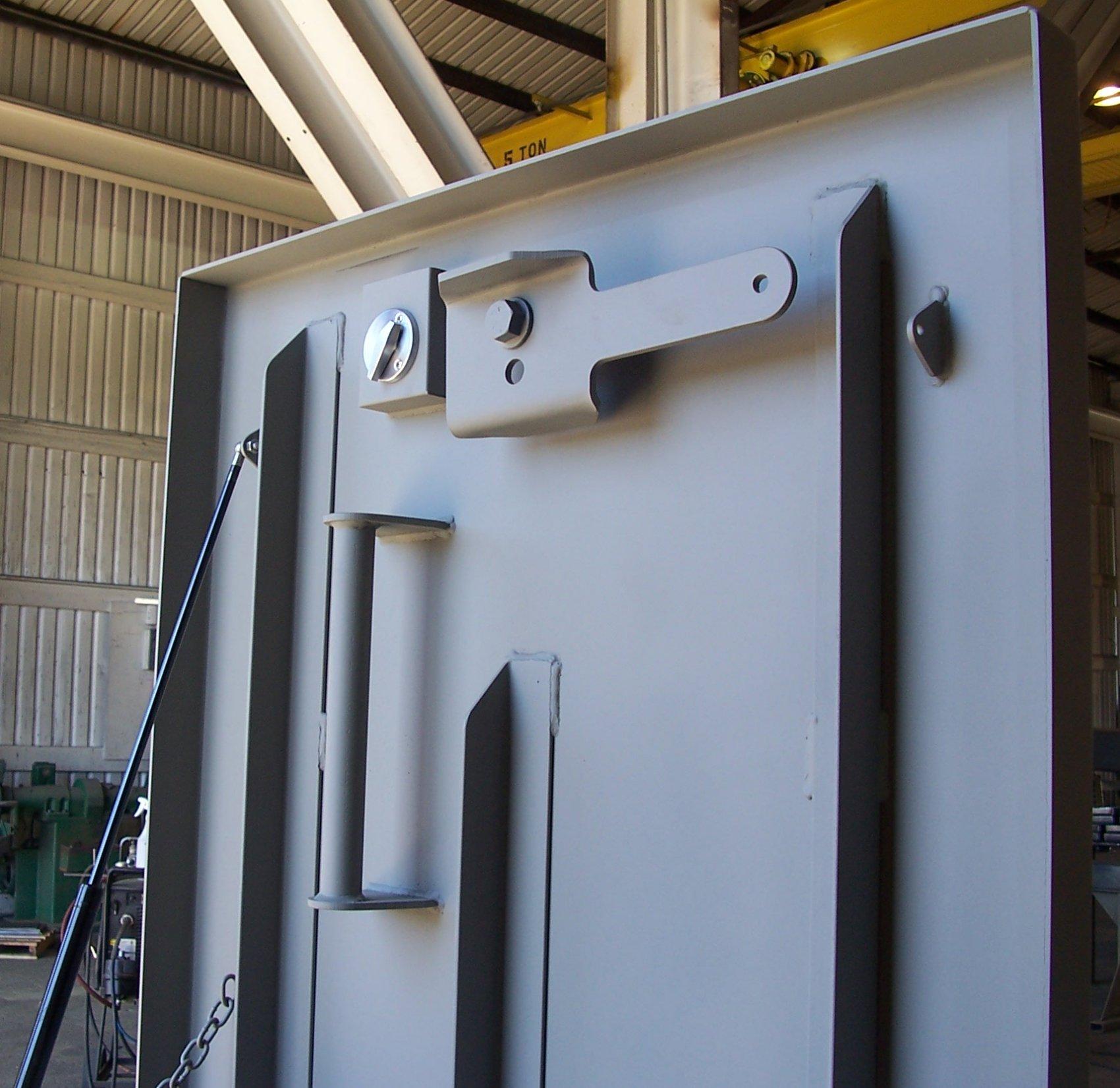 Safe Hatch Doors : Riser blast hatch american safe room