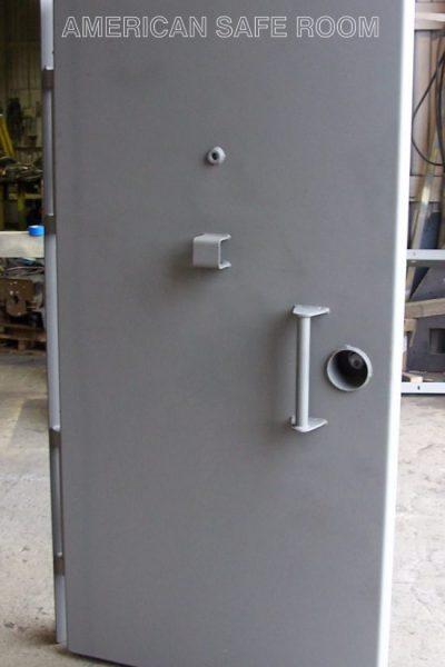 Single leaf blast door - closed