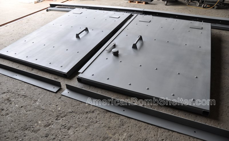 Double leaf sliding ballistic door