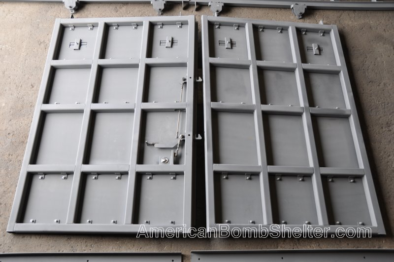 Inside view of a double leaf sliding ballistic door