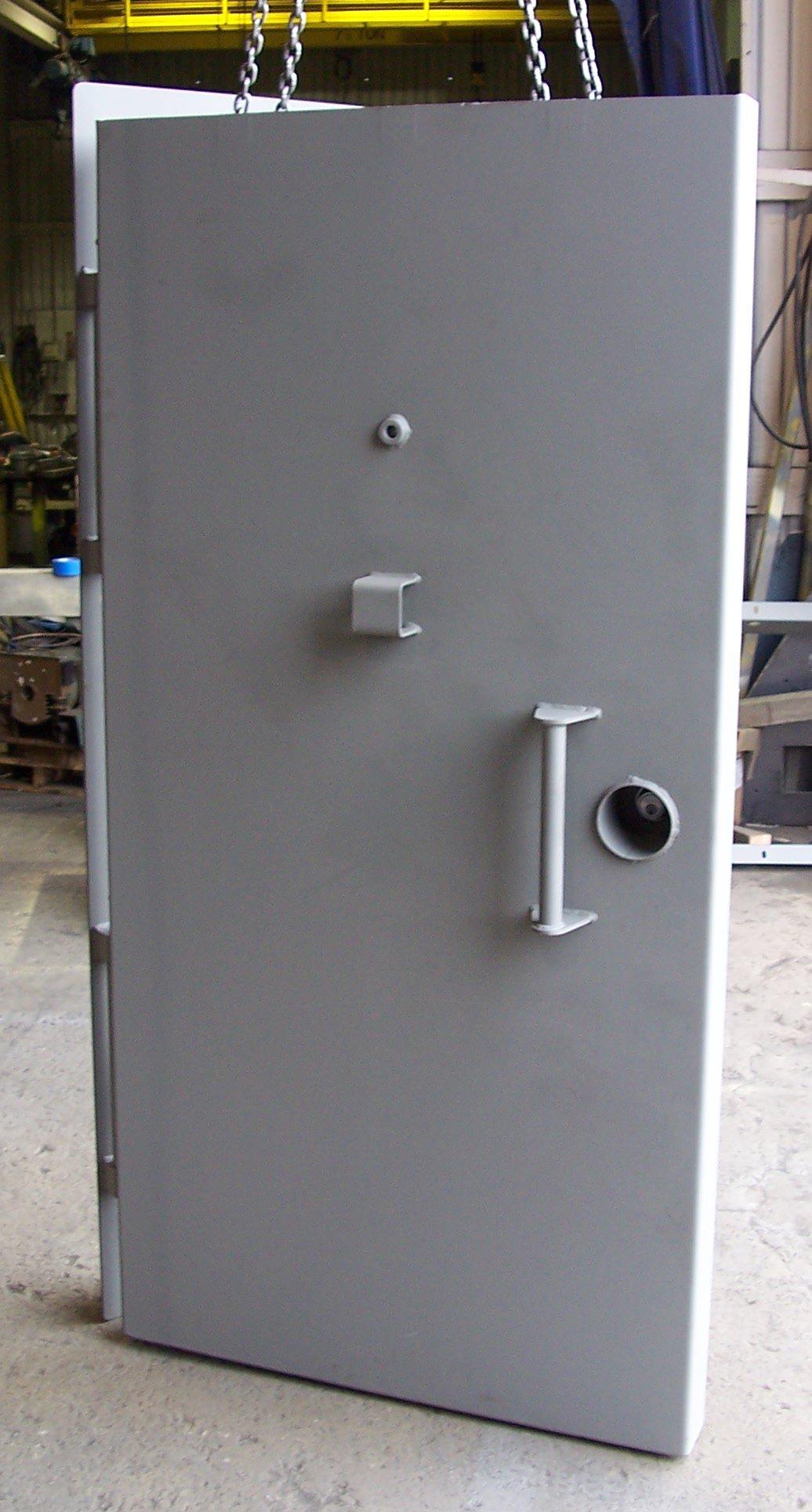 Single leaf blast door - closed & Blast and Ballistic Doors from American Safe Room